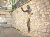 place PARIS - Le passe muraille - Photo 1